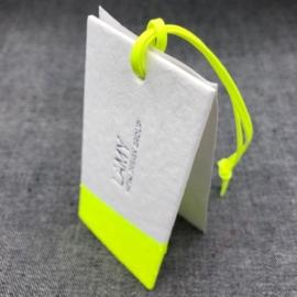 hangkaartjes-hangtag-kartonnen-labels-fluor-wit-zilver-recycled-karton-logo-merknaam-labellegendz